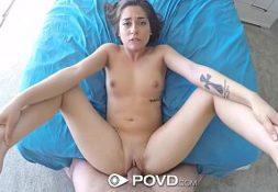 Fada do sexo fodendo de quatro com seu amigo