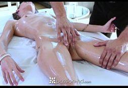Xvideps morena da buceta grande transando com massagista